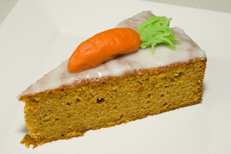 Swiss Carrot Cake (Schweizer Rueblitorte)
